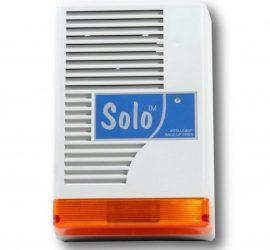 SOLO L kültéri hang-fényjelző, levehető előlap